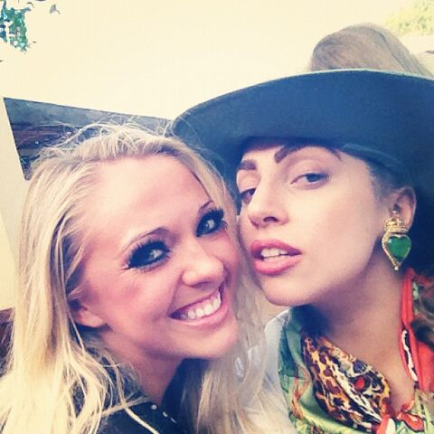 File:11-28-12 Gaga at Safari in South Africa 001.jpg