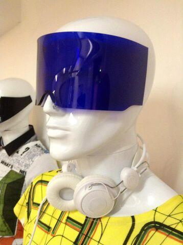 File:HOF - Blue visor.jpg