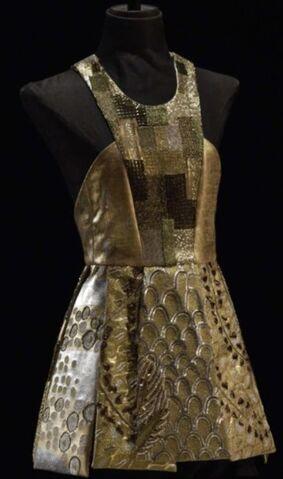 File:Teresa Martins outfit 001.jpg
