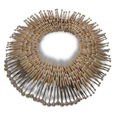 File:Perez Sanz - Tunglatoi neckpiece.jpg