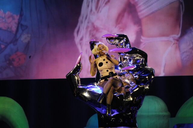File:10-7-14 Do What U Want artRAVE 002.jpg