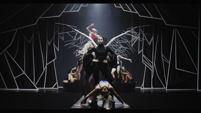 File:Applause Music Video 061.jpg