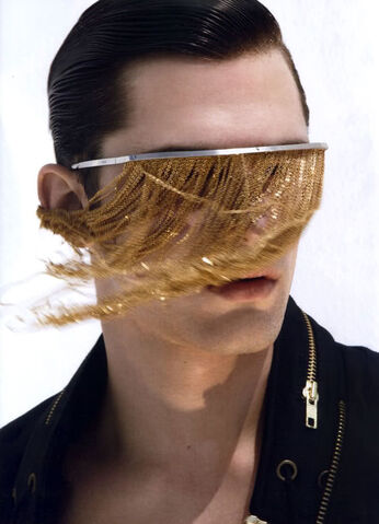 File:Bless Spring Summer 2009 Chainmail sunglasses.jpg