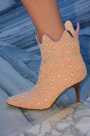 File:Vivienne Westwood Spring Summer 2013 Beige floral heels.jpg