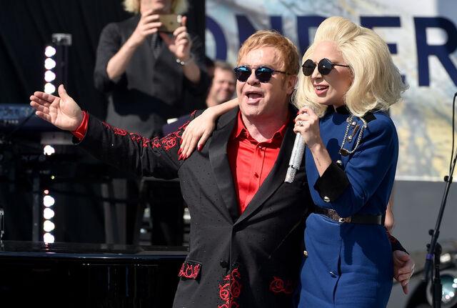 File:2-27-16 Elton John's Concert in West Hollywood 005.jpg