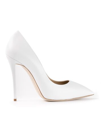 File:Giuseppe Zanotti - Pointed toe pump.jpeg