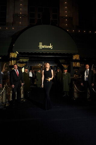 File:10-7-12 Arriving at FAME launch in Harrods 004.jpg