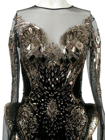 File:Michael Cinco - Laser cut crystal dress 002.jpg