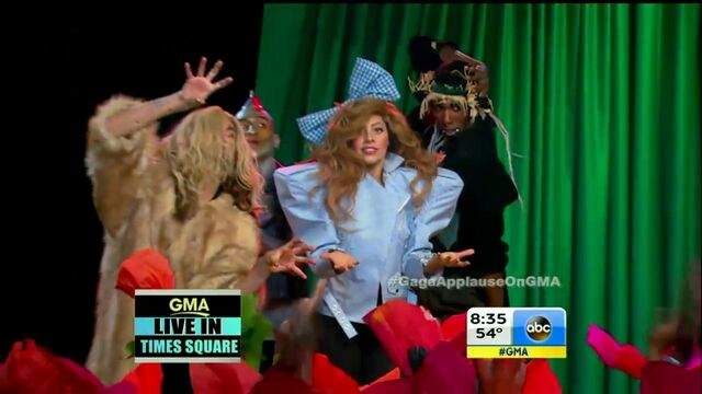 File:9-9-13 GMA Performance 011.jpg