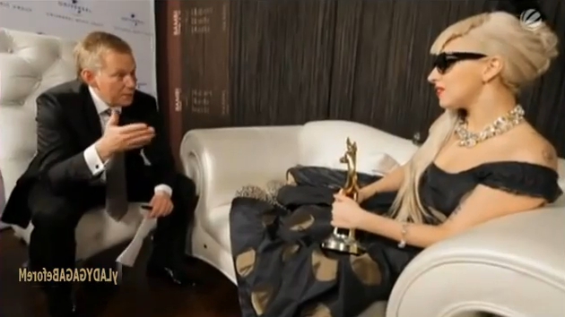 File:11-11-11 Bambi Interview 001.png
