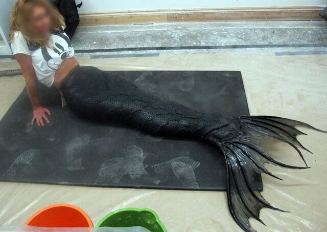 File:Yüyi's prosthetics 003.jpg
