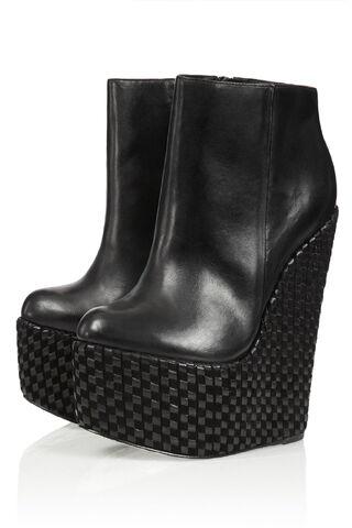 File:Chloe Jade Green - Dusk shadow wedge boots (SS13C).jpeg