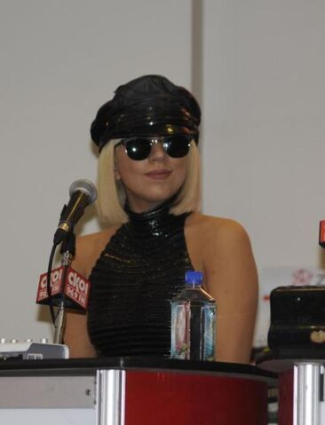 File:3-28-09 HMV Mall Press Conference 001.jpg