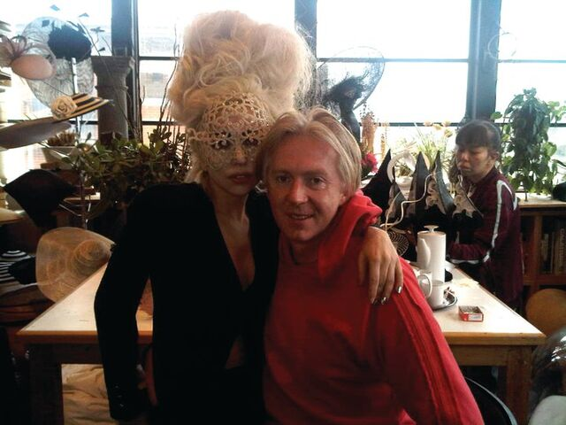 File:2-16-10 With Philip Treacy.jpg