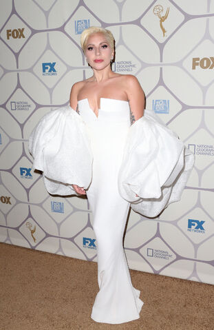 File:9-20-15 At Emmy Awards Afterparty in LA 001.jpg