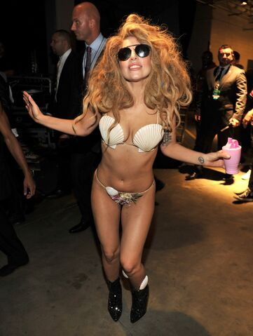 File:8-25-13 MTV VMA's Backstage 004.jpg