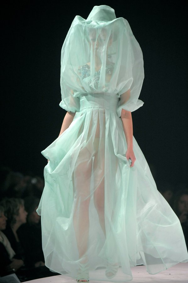 File:Emilie Pirlot 2009 RTW Mysterious Wonderland Dress.jpg