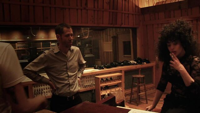 File:I Can't Give You Anything But Love - Studio video 014.jpg