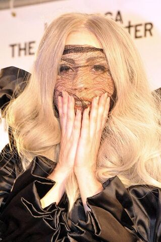 File:Lady-GaGa-Platinverleihung-04.jpg