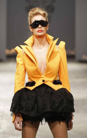 File:On Aura Tout Vu - Spring HC 2012 Collection.JPG
