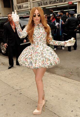File:4-2-14 Arriving at Roseland Ballroom in NYC 001.jpg