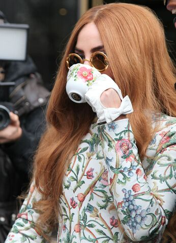 File:4-2-14 Leaving her apartment in NYC 002.JPG