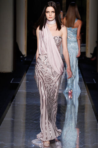 File:Atelier Versace - Haute Couture Spring-Summer 2014 Collection 002.JPG