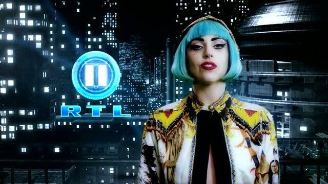 File:Versace Lady Gaga liebt RTL 2 - Trailer28129 5.jpg