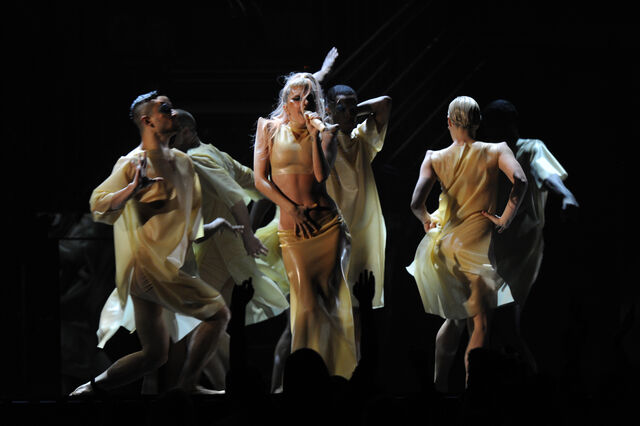 File:13-2-11 Performing Born This Way at Grammys 006.jpg