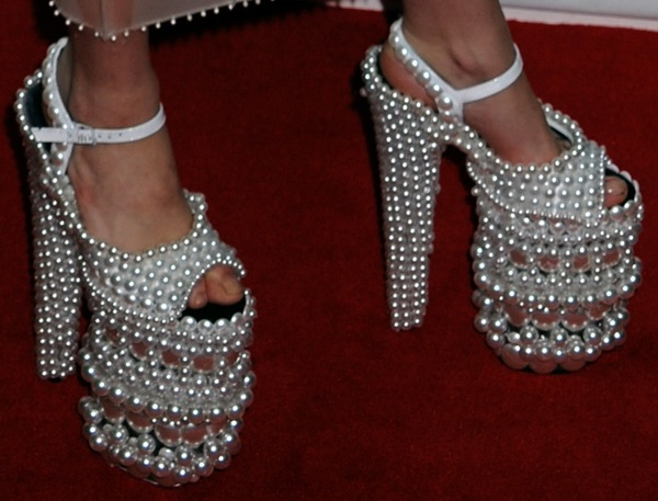 File:Lady-Gaga-pearl-platform-shoes.jpg