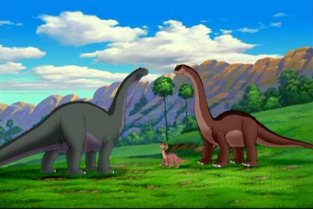 File:Apatasaurus Trio 2.jpg
