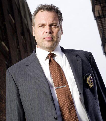 File:Robert Goren in Law & Order- Criminal Intent.JPG