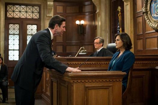 File:Lewis at trial with Olivia.jpg