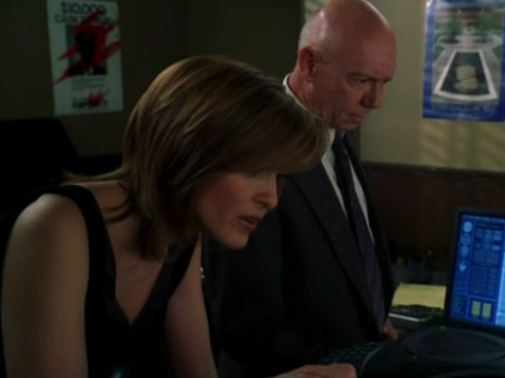 File:Benson Cragen 911.jpg