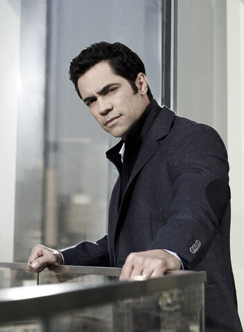 File:Law & order SVU S13 gallery Danny Pino NUP 146329 0733.jpg