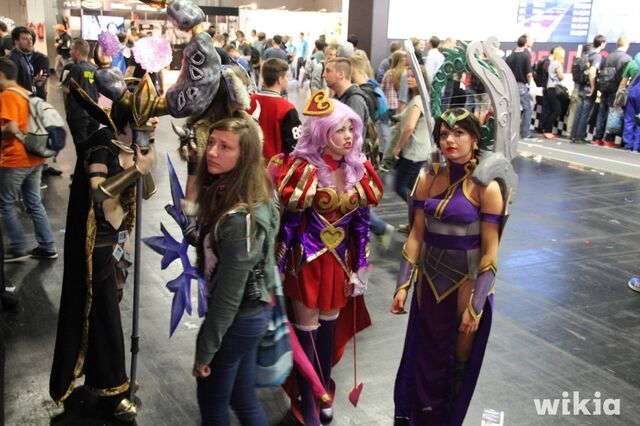 File:JAlbor Gamescom Heartseeker Ashe and Karma.jpg