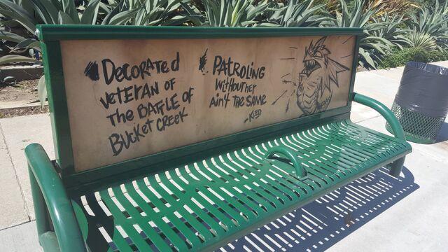 File:Kled park bench.jpg