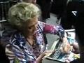 Cloris Leachman signingautographs