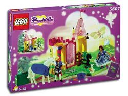 5807-The Royal Stable