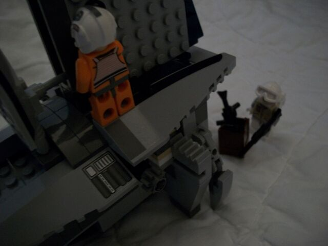 File:Zev Senesca on Separatist Shuttle.jpg