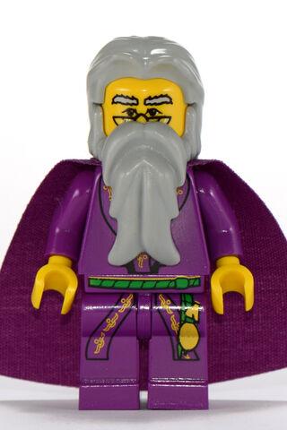 File:Professor Dumbledore Yellow.jpg