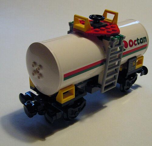 File:7939 Oil Tanker.jpg