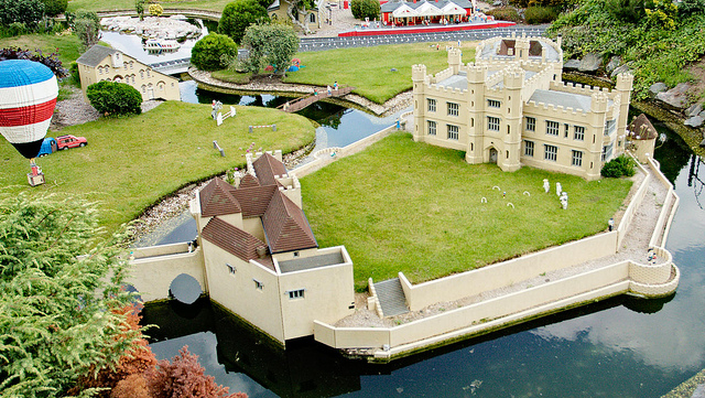 File:Leeds castle.jpg