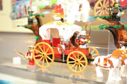 LEGO Toy Fair - Kingdoms - 7188 King's Carriage Ambush - 02