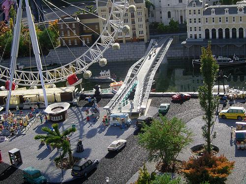 File:Legoland-milleniumbridge.jpg