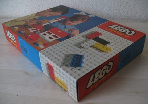 File:030-Basic Building Set in Cardboard.jpg