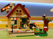 Lego-31038-changing-seasons-2