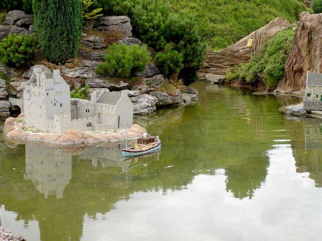 File:Lego Loch Ness 2.jpg