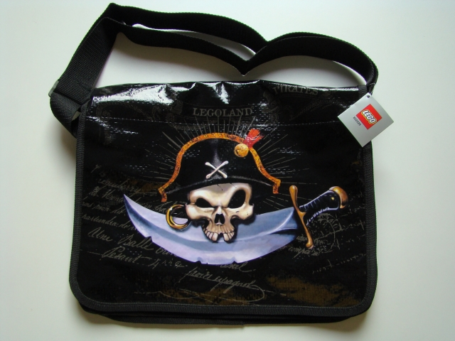File:852228 Pirates Shoulder Bag.jpg