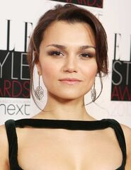 Samantha-barks-elle-style-awards-2013-hair GB